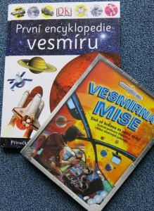 vesmir_obalky